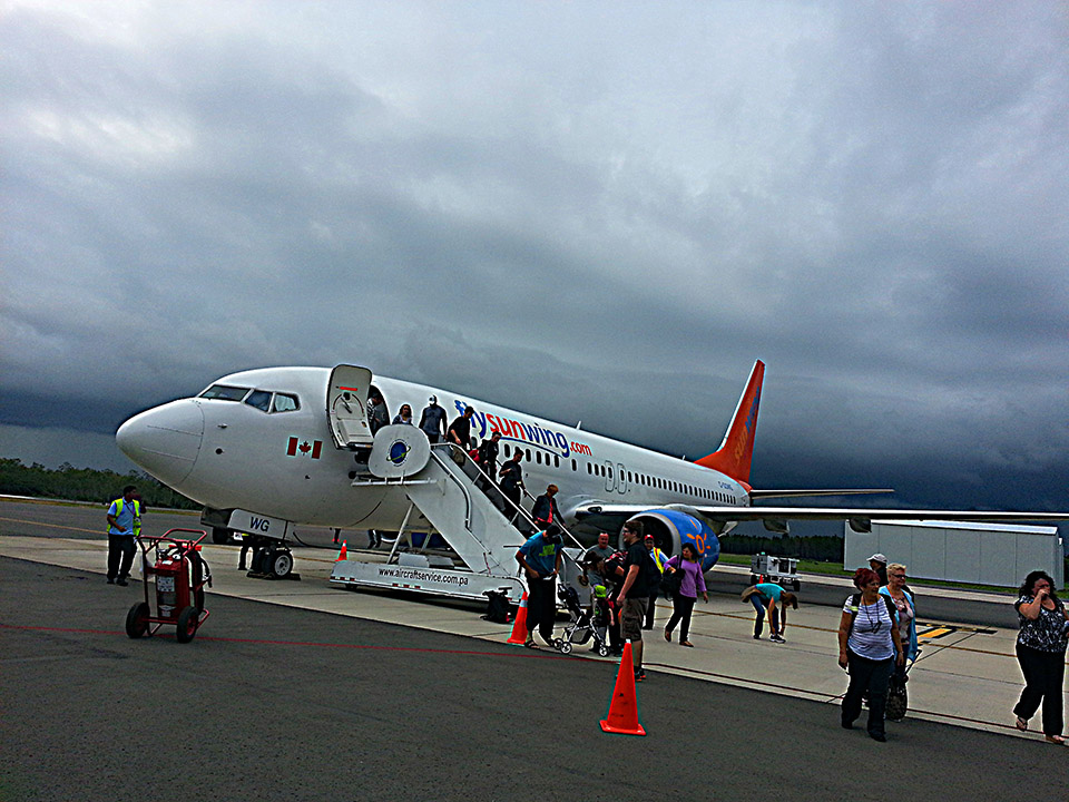 sunwing; fly sunwing; canadian airline; charter airline; Río Hato; Río Hato airport