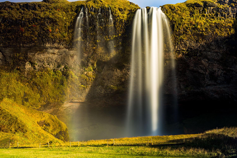 around iceland in a campervan, best of Iceland, best waterfalls, Black Falls, Dettifoss, Dynjandi, East of Iceland, Fagrifoss, Gljúfrafoss, Gljúfursárfoss, Glymur, Gullfoss, Hafragilsfoss, Háifoss, Hengifoss, Iceland, Kirkjubæjarklaustur, Morsárfoss, North of Iceland, Öxaráfoss, roadtrip in Iceland, Selfoss, Seljalandsfoss, Skaftafell National Park, Skógafoss, South of Iceland, Svartifoss, Systrafoss, waterfalls of Iceland, West of Iceland, Þingvellir National Park, Top 18 Watefalls of Iceland