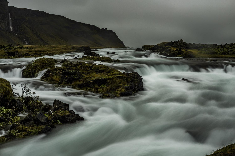 Top 18 Watefalls of Iceland, around iceland in a campervan, best of Iceland, best waterfalls, Black Falls, Dettifoss, Dynjandi, East of Iceland, Fagrifoss, Gljúfrafoss, Gljúfursárfoss, Glymur, Gullfoss, Hafragilsfoss, Háifoss, Hengifoss, Iceland, Kirkjubæjarklaustur, Morsárfoss, North of Iceland, Öxaráfoss, roadtrip in Iceland, Selfoss, Seljalandsfoss, Skaftafell National Park, Skógafoss, South of Iceland, Svartifoss, Systrafoss, waterfalls of Iceland, West of Iceland, Þingvellir National Park