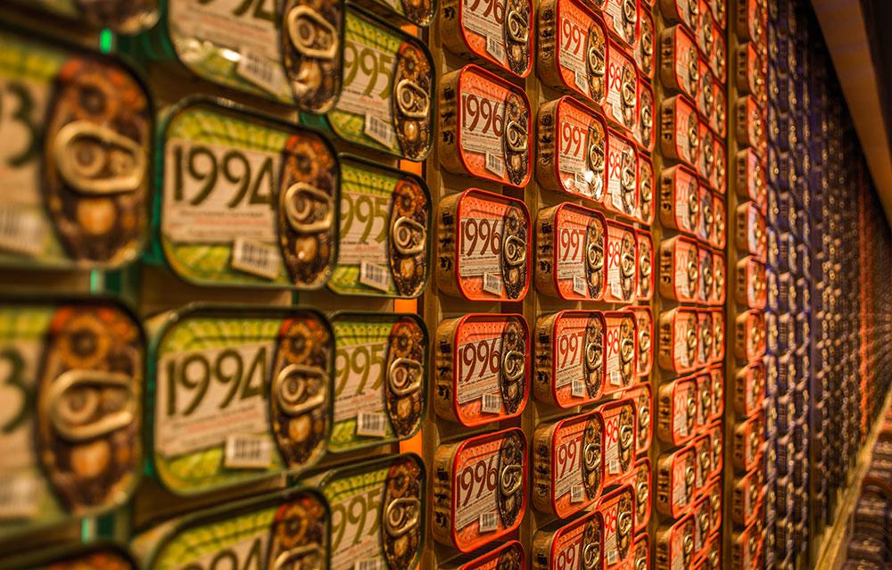 lisbon; portugal; europe; alfama; lisbon streets; european; europa; lisboa; европа; лиссабон; Lisbon cuisine; canned fish; Portuguese cuisine; Lisbon Canned fish; Lisbon souvenirs; Portuguese souvenirs