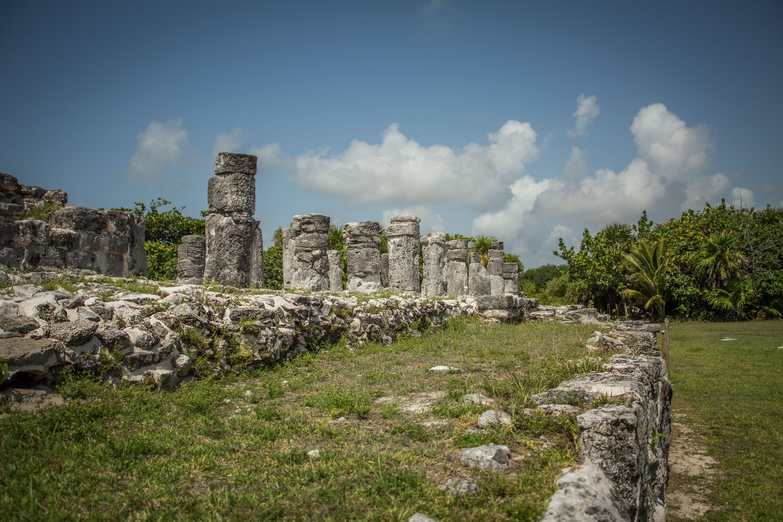 El Rey; El Rey Ruins; Zona Arqueologica El Rey; El Rey Ruins Cancun; El Rey Mexico;
